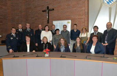 Gruppenfoto mit den Ehrenamtlichen